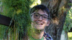 24-годишен възпитаник на търновската Математическа гимназия е в основата на проекта Цвете в епруветка Вестник Борба
